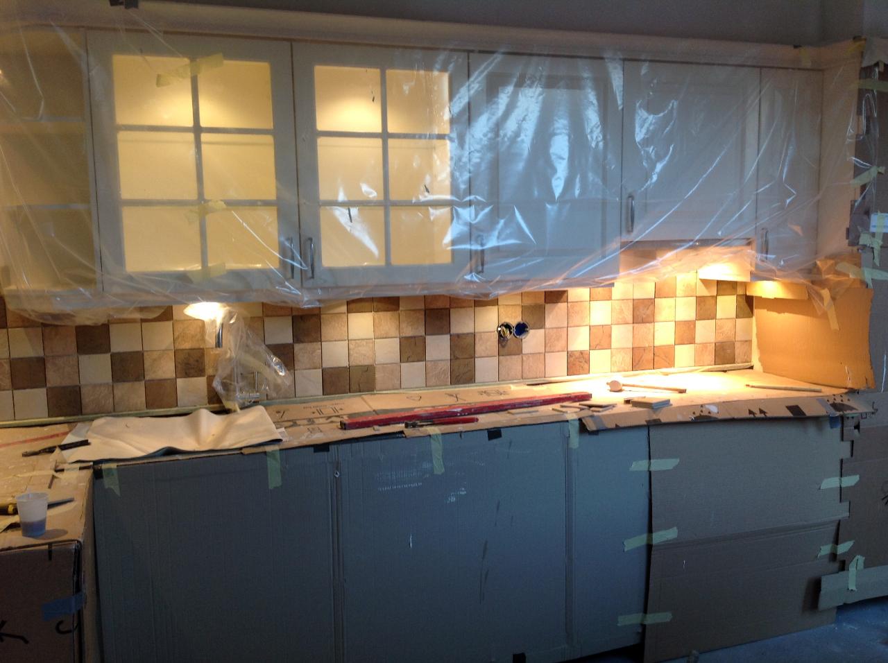 Mooie Keuken Tegels : Badkamer plafondplinten en keukentegels wieringenlaan